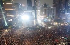Hàng chục nghìn người biểu tình đòi tổng thống Hàn Quốc từ chức