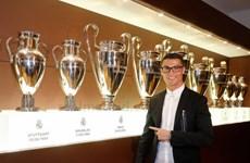 Ronaldo gia hạn hợp đồng với Real Madrid: Biểu tượng thiên hà