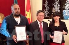 Trao giải thưởng thông tin đối ngoại cho hai nhà báo Algeria