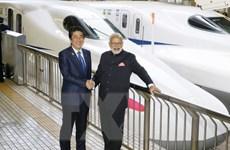 Thủ tướng Ấn Độ Modi cùng ông Abe đi thử tàu siêu tốc Shinkansen