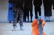 Rùng mình trước video ghi cảnh IS chặt đầu cụ già 100 tuổi