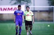 Hoàng Thịnh nỗ lực để kịp ra sân ở trận tái đấu tuyển Indonesia