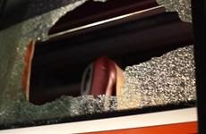 Cận cảnh xe chở cầu thủ Indonesia bị tấn công khi rời Mỹ Đình
