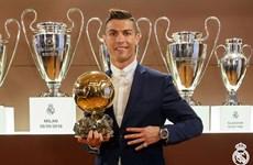 Cristiano Ronaldo lần thứ tư giành giải thưởng Quả bóng vàng