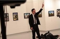 """Kẻ ám sát Đại sứ Nga hô """"Aleppo"""" và """"Báo thù"""" trước khi nổ súng"""