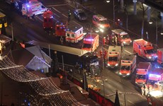 Hiện trường tang thương vụ tấn công bằng xe tải tại Berlin