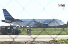 Video giải cứu 118 người trên máy bay Libya bị không tặc khống chế