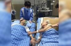 Cặp vợ chồng già thể hiện tình yêu trước khi chia lìa vĩnh viễn