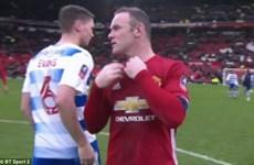 Cầu thủ Reading gây sốc khi từ chối đổi áo với Wayne Rooney