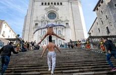 Anh em nghệ sỹ xiếc Việt Nam được công nhận kỷ lục Guinness