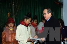 Chủ tịch Ủy ban MTTQ Việt Nam thăm, tặng quà Tết tại Sơn La