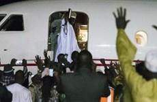 """Cựu Tổng thống Gambia """"vét cạn"""" ngân quỹ quốc gia trước khi ra đi"""