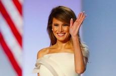 Ai là người khâu dép cho đệ nhất phu nhân Mỹ Melania Trump?