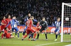 """Tranh cãi """"nảy lửa"""" sau trận hòa của Bayern trước Hertha Berlin"""