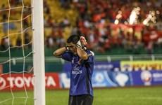 Cầu thủ Long An bỏ đá, đội bóng Công Vinh thắng như đá tập