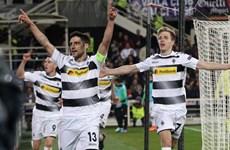 Mönchengladbach ghi 4 bàn trong 16 phút, ngược dòng tại Italy