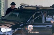 Brazil bắt giữ nghi can trung gian đưa hối lộ trong vụ Petrobras