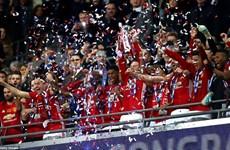 Ibrahimovic lập cú đúp, Manchester United đăng quang EFL Cup