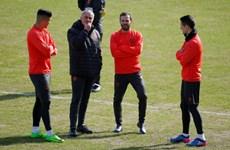"""Lịch thi đấu và trực tiếp: Man United gặp khó, """"nội chiến"""" Đức"""