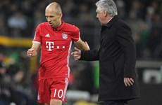 "Arjen Robben ""nổi đóa"" khi bị HLV Carlo Ancelotti rút khỏi sân"