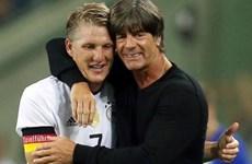 Löw trách Mourinho sau quyết định rời M.U của Schweinsteiger