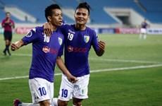 Hà Nội FC chiếm ngôi đầu sau chiến thắng vùi dập trước Long An