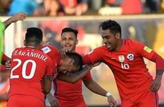 """""""Hạ gục nhanh"""" Venezuela, Chile đá bay Argentina khỏi tốp 4"""