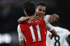 Kết quả: Arsenal đá M.U bay khỏi tốp 5, Real thắng tưng bừng