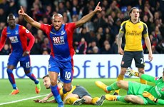 Arsenal thua đậm Crystal Palace 0-3: Champions League xa dần