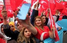 Cử tri Thổ Nhĩ Kỳ bắt đầu đi bỏ phiếu về sửa đổi Hiến pháp