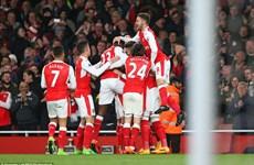 Hạ Leicester City, Arsenal hâm nóng đại chiến thành Manchester
