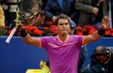 "Nadal cận kề ""decima,"" Sharapova chưa đủ điểm dự Roland Garros"