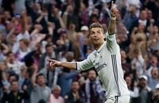 Ronaldo lập hat-trick, Real Madrid đặt 1 chân vào chung kết