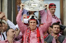 Siêu sao Arjen Robben sánh ngang huyền thoại Johan Cruyff