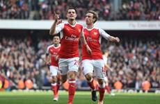 Arsenal chặn đứng mạch bất bại của M.U, nuôi hy vọng tốp 4