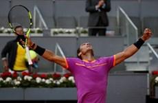 """Nadal """"hạ gục nhanh"""" Nick Kyrgios, số 1 thế giới nếm trái đắng"""