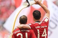 [Photo] Bayern ăn mừng chức vô địch, chia tay Lahm và Alonso