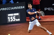 Novak Djokovic chạm tay vào kỷ lục sau chiến thắng không tưởng