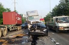 TP.HCM: Hy hữu hai vụ va chạm làm nhiều ôtô hư hỏng nặng