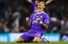 """Ronaldo thiết lập hàng loạt kỷ lục sau khi """"phá lưới"""" Buffon"""
