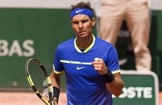 """Roland Garros: Nadal """"nội chiến,"""" đương kim vô địch bị loại"""