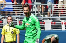 """Manchester United đánh bại Real sau màn """"đấu súng"""" siêu tệ"""