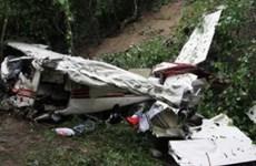 Mexico: Máy bay rơi xuống đường cao tốc khiến 7 người tử nạn