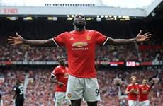 Lukaku lập cú đúp, Man United chiếm ngôi đầu Premier League