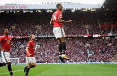 Đánh bại Leicester, Manchester United độc chiếm ngôi đầu
