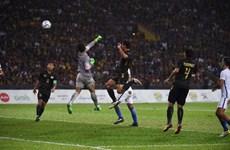 """Thủ môn U22 Malaysia """"dâng"""" huy chương vàng cho U22 Thái Lan"""