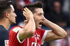 """""""Những cột khói"""" đang bốc lên từ trụ sở của Bayern Munich"""