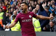 """Manchester City lại chiến thắng """"hủy diệt"""", chiếm ngôi đầu của M.U"""