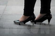 Philippines cấm các công ty bắt nhân viên đi giày cao gót ở công sở