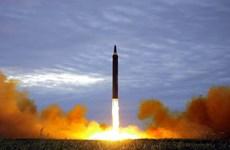 Nhóm đào tẩu rải truyền đơn phản đối Triều Tiên phát triển tên lửa